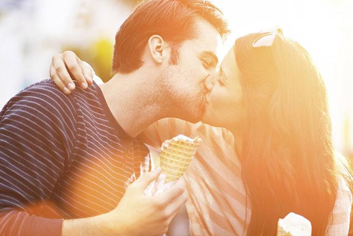 Jak się całować z chłopakiem
