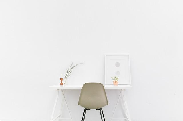 Komfortowy fotel biurowy – jak znaleźć idealny model?