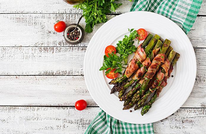 Pieczarki i szparagi z grilla – poznaj sprawdzone przepisy